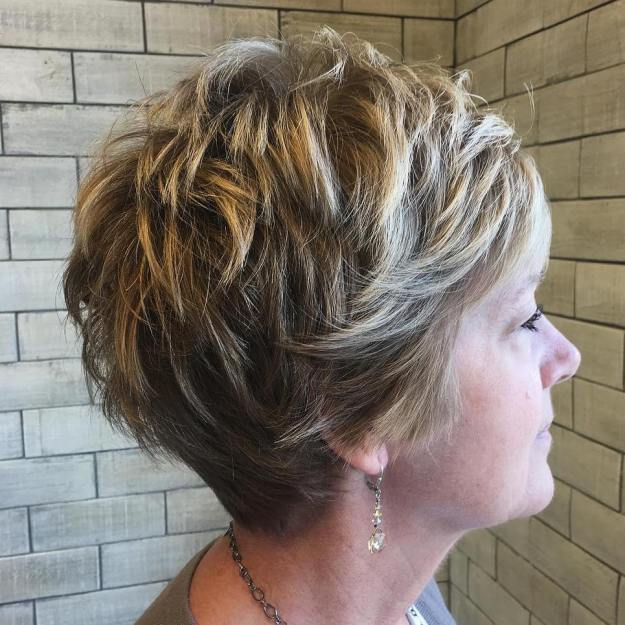 coiffure courte pour femme agee