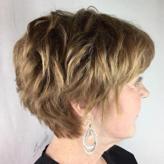 coiffure courte femme ronde de 70 ans