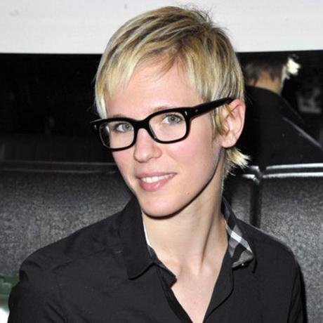 Cheveux courts lunettes