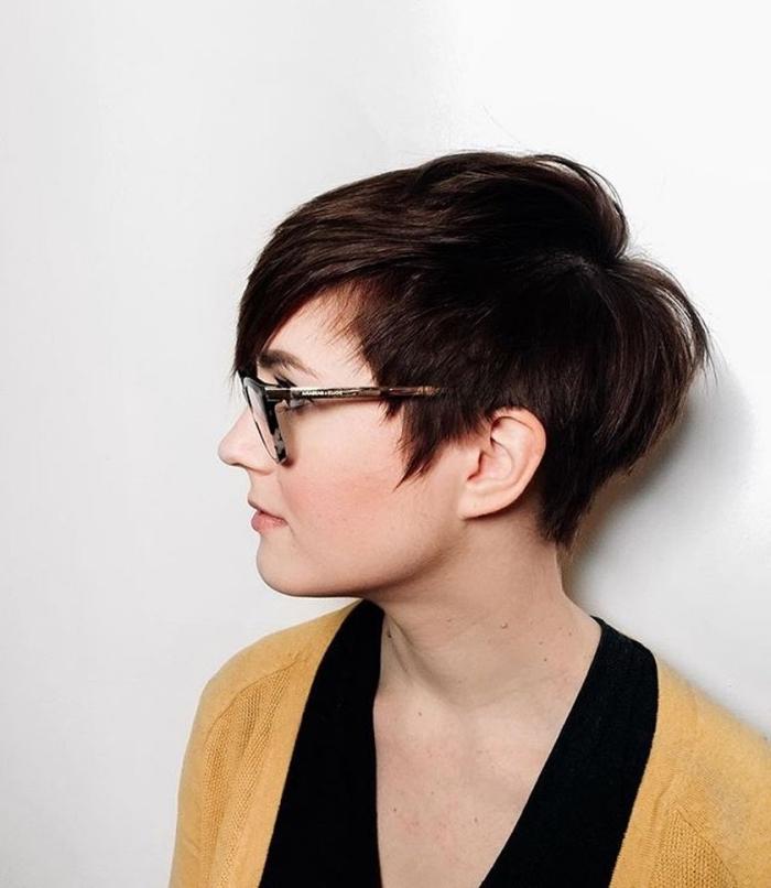 Coiffure Femme Cheveux Court Avec Lunettes