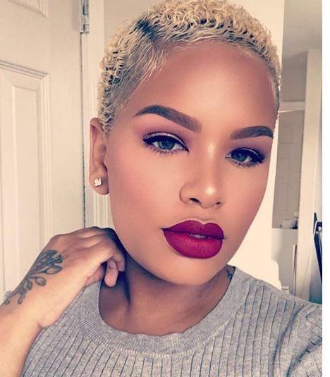 coiffure courte pour femme afro
