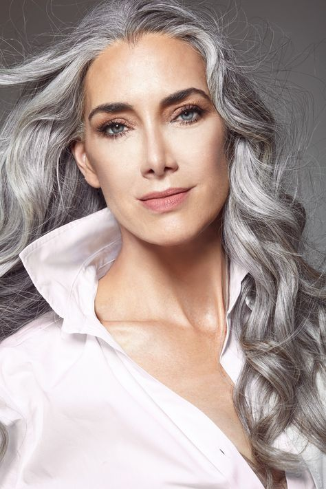 coiffure courte pour femme agee cheveux lons