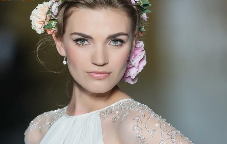 maquillage mariage - gloss à lèvres en rose pâle, trait d