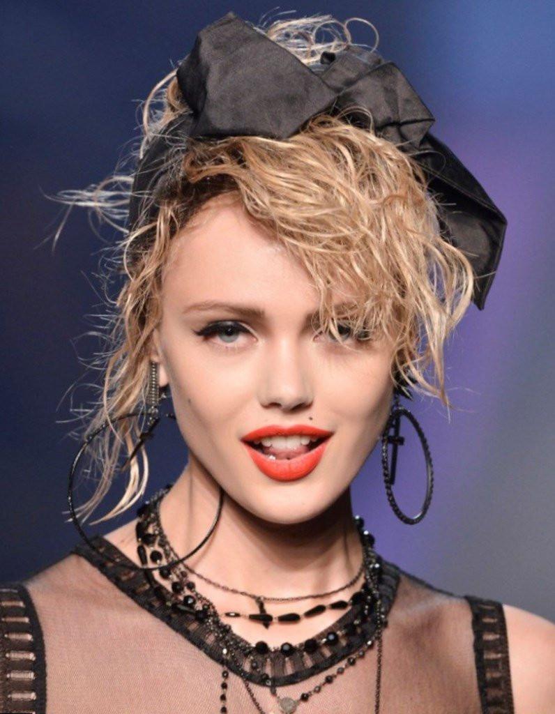 Modele De Coiffure Pour Femme De 80 Ans | Coiffures