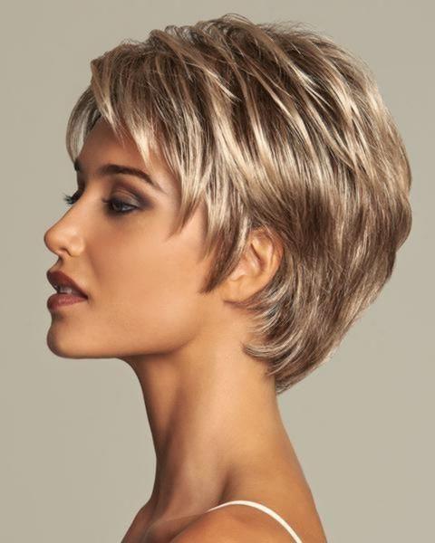 coiffure courte pour femme 60 cheveux fins ans
