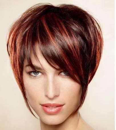 coiffure courte femme rouge
