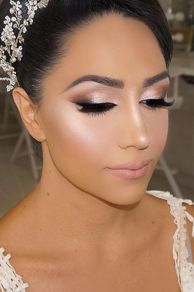 TAMPON EYELINER Application Facile en 2020   Maquillage