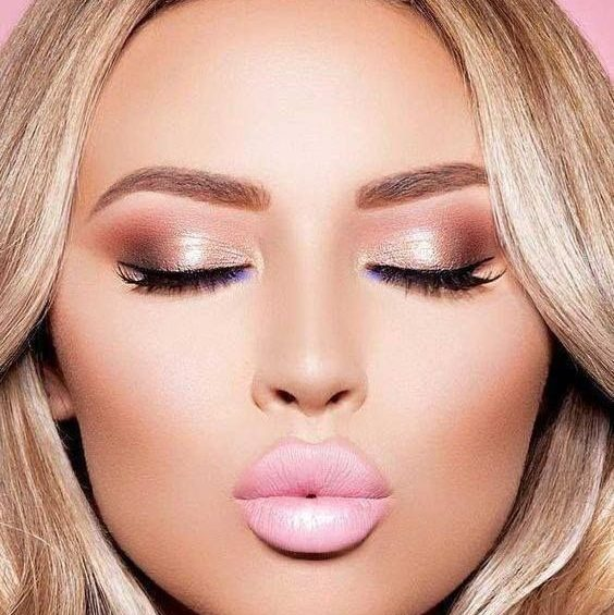 we are loving this rose gold make up palette for homecoming do 1