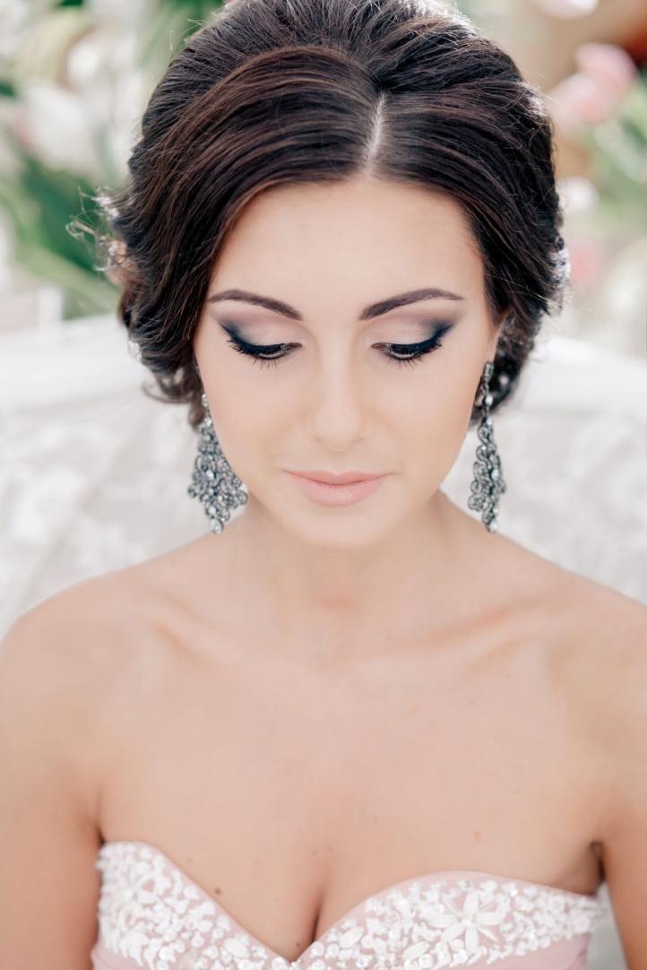 Wedding makeup for green eyes and black hair - smoky