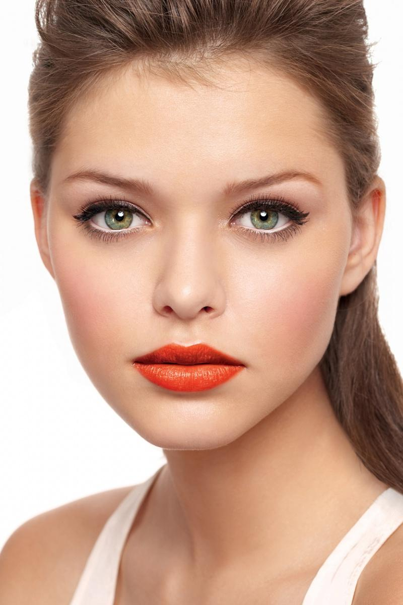 Wedding Makeup Tips for Green-Colored Eyes | Bride Sparkle